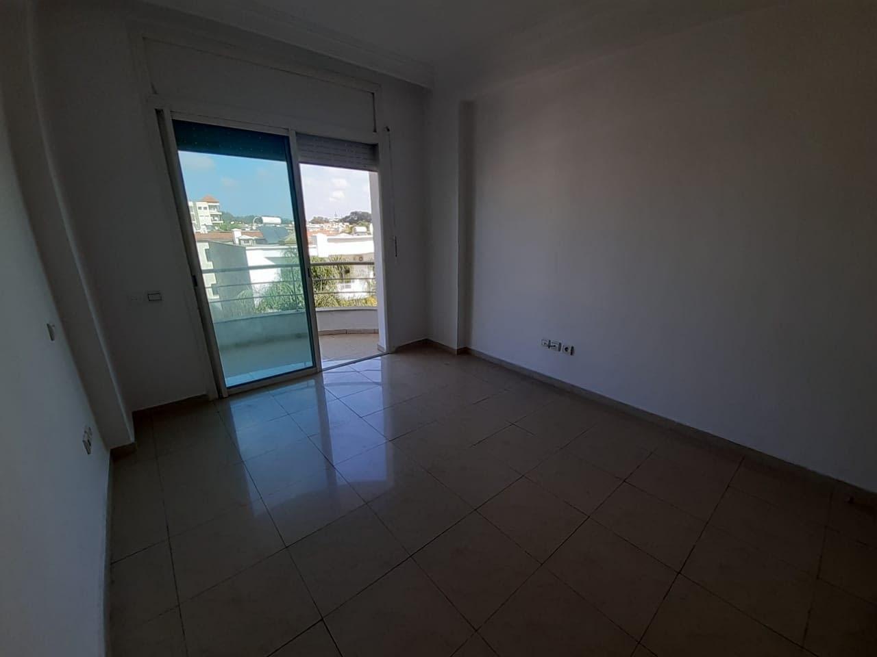 Un appartement bon état a Hay Riad